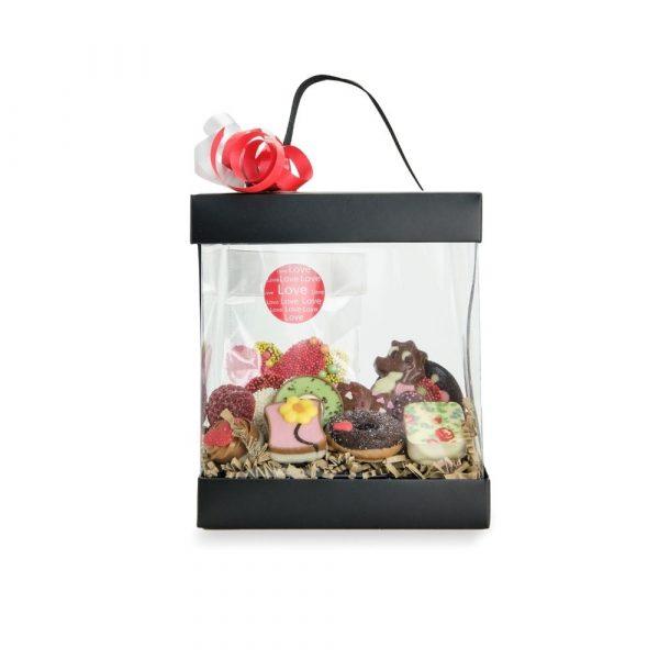 Luxe verpakking middel gevuld met bonbons en flikken